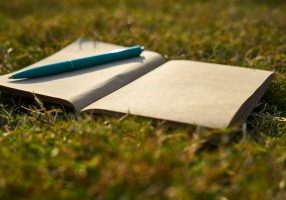 notebook-4344001_1920