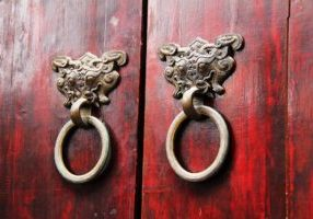 wood-door-1711004_1920